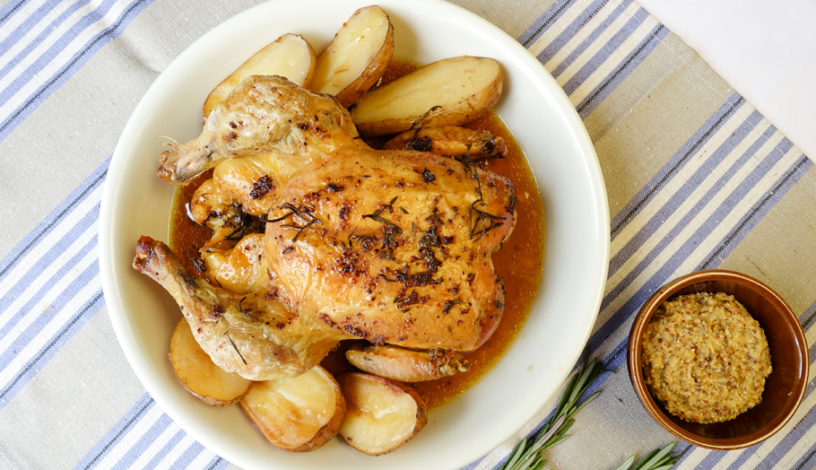pollo asado plato mesa