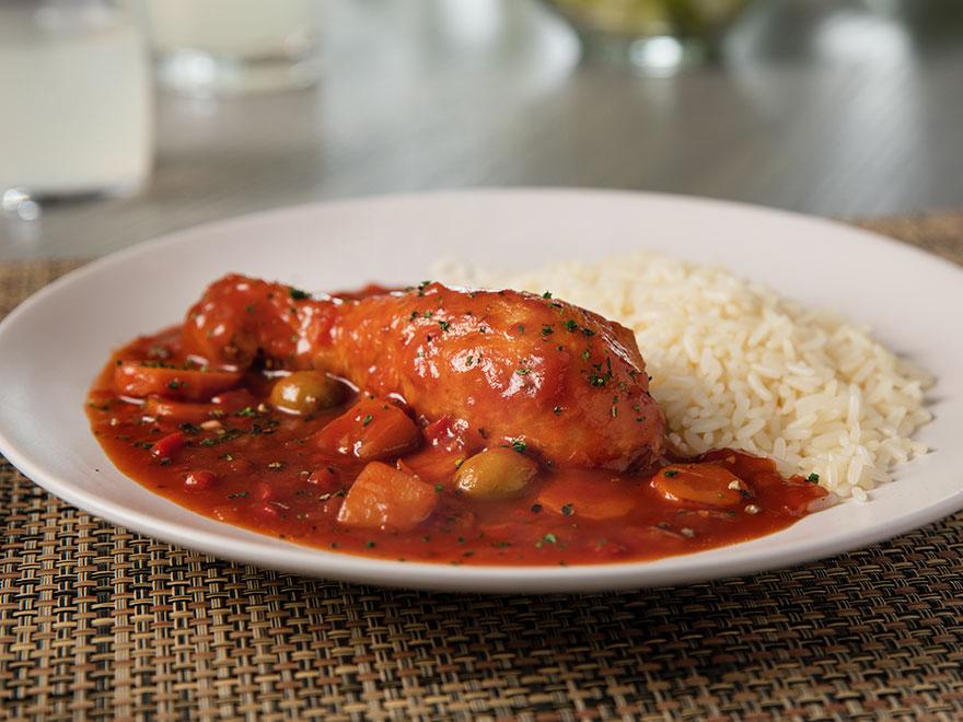 pollo salsa arroz plato